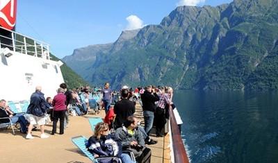 Hurtigruten: Auf Nordkurs über den Polarkreis, Seereise 7 Tage ab € 852,-