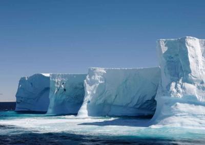 Hurtigruten: Einmalige Fjorde, Gletscher und Eisberge, Seereise 15 Tage ab € 6.000,-