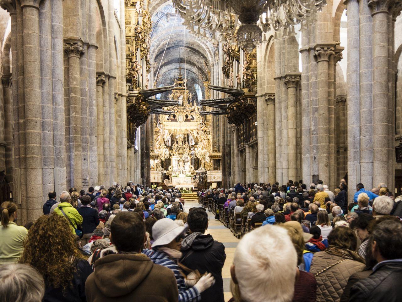 messe-kathedrale-santiago-de-compostela-jakobsweg-belvelo-tom-andersch-x