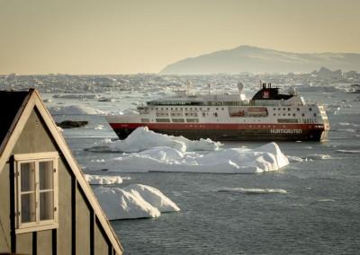 Hurtigruten: Feuer, Eis und majestätische Fjorde, Seereise 15 Tage ab € 7.480,-